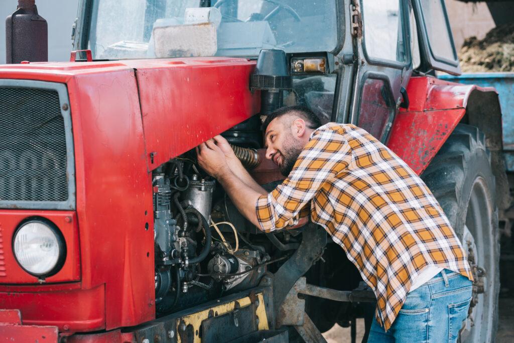 Bagian-bagian Traktor Roda 4 Beserta Fungsinya